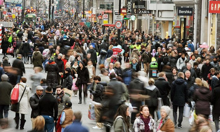 File photo dated 11/12/2011 of Christmas shoppers in Oxford street, London. PRESS ASSOCIATION Photo. Issue date: Thursday December 15, 2011. Retail sales volumes fell by 0.4% in November, the Office for National Statistics said today. See PA story ECONOMY Retail. Photo credit should read: John Stillwell/PA Wire